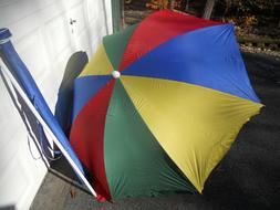 BEACH UMBRELLA WITH UV BLOCKER LINING AND CARRYING CASE/GREA