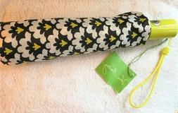 "VERA BRADLEY UMBRELLA - NEW WITH TAGS ""FANFARE PATTERN"""
